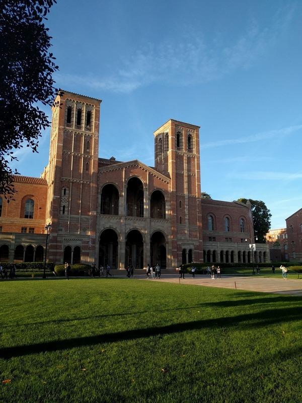 Ingresso alla UCLA Università di Los Angeles